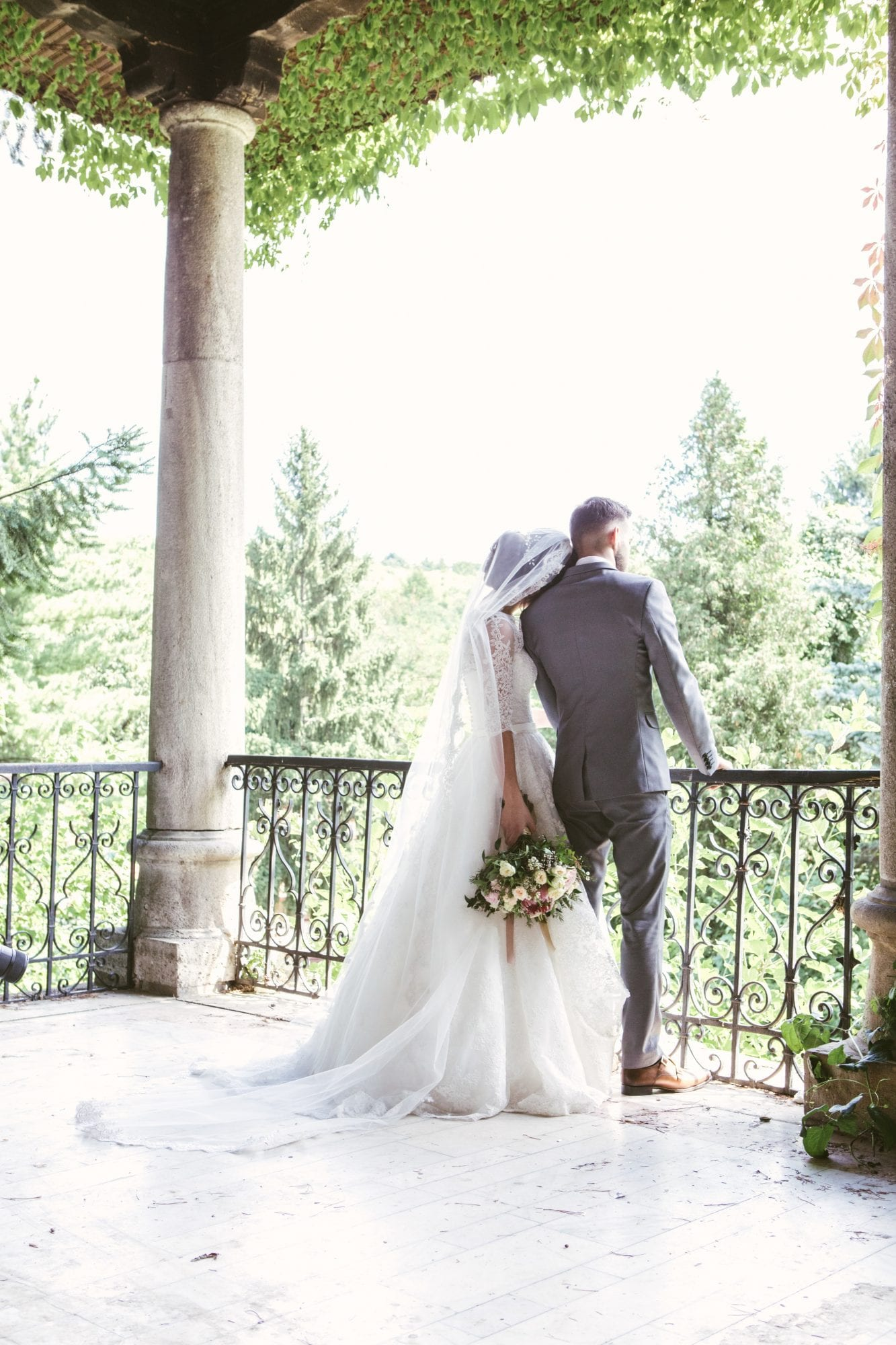 Things to Consider if You're Planning a Destination Wedding